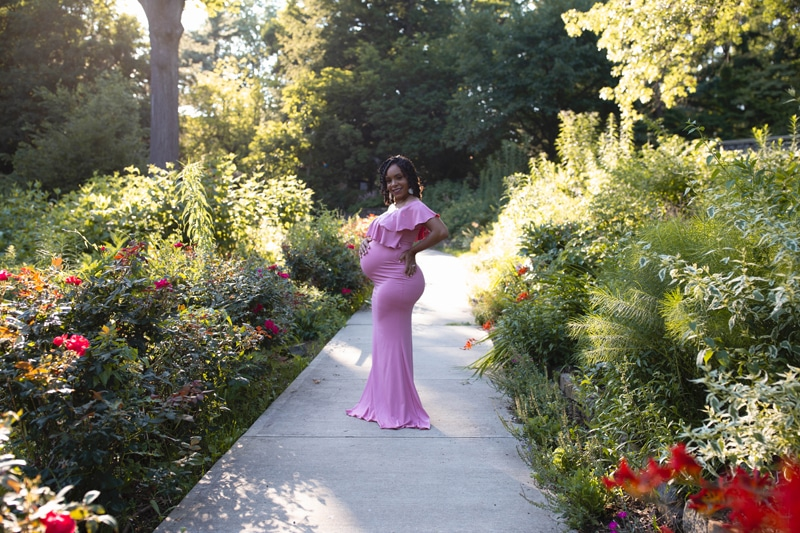 Maternity Photography, woman in pink dress